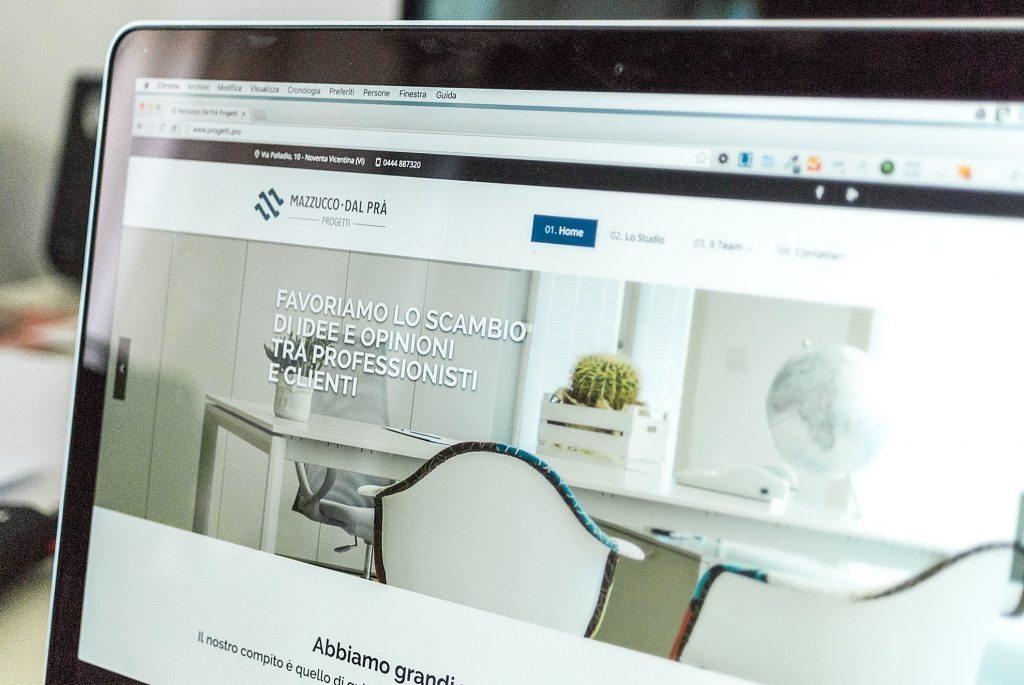Interfaccia grafica del nuovo sito web realizzato per lo studio Mazzucco • Dal Prà Progetti